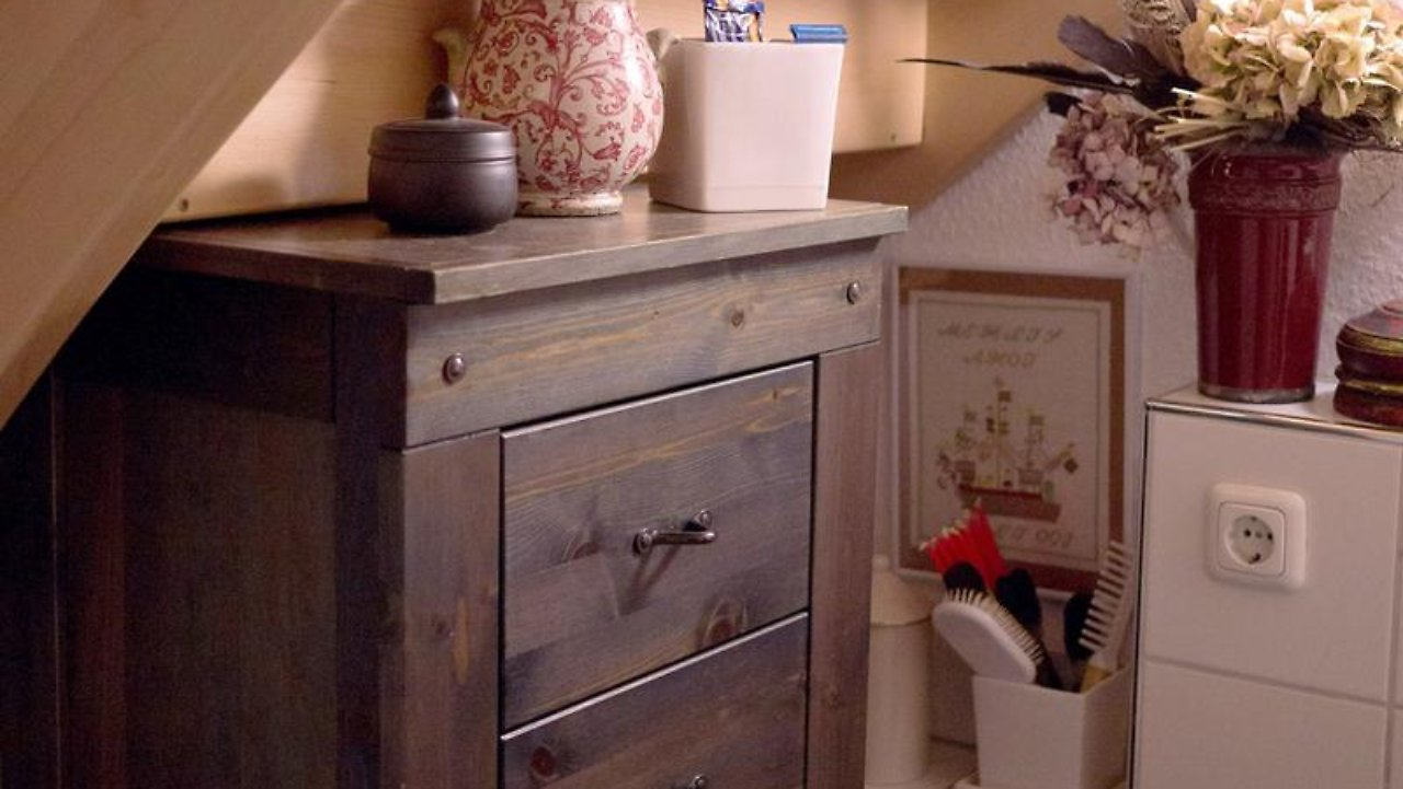 stauraum unter treppe swalif. Black Bedroom Furniture Sets. Home Design Ideas