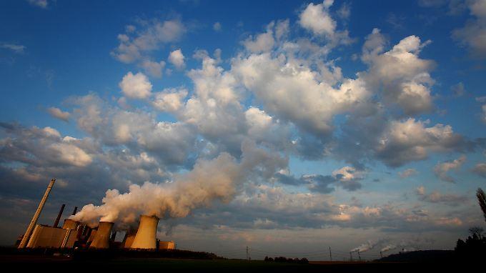 CO2 ist nicht per se schlecht - Klimaskeptiker leugnen überhaupt einen Zusammenhang mit dem Anstieg der Temperaturen.