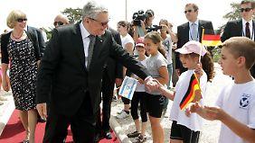 In Jerusalem wurde das Staatsoberhaupt freundlich empfangen. Die Zeitungen sind begeistert von Gauck.