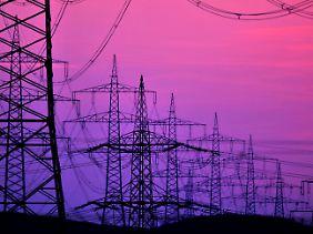 Das Stromnetz muss dringen ausgebaut werden. Für die Verbraucher könnte das höhere Kosten bedeuten.