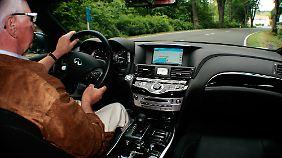 Eine gediegene und wohnliche Atmosphäre umgibt den Fahrer, mit Extras wird nicht gegeizt.