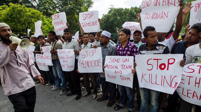 In Kuala Lumpur protestieren Flüchtlinge der Rohingya gegen die anhaltende Gewalt.