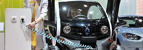 Auf Grund der mangelnden Reichweite und des hohen Preises verkaufen sich E-Autos in Deutschland nicht.