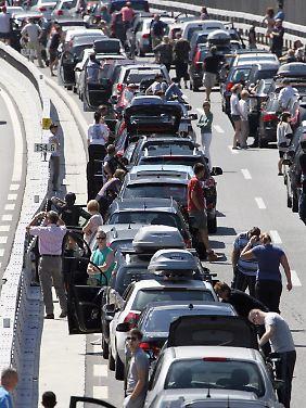 Bislang staut sich der Verkehr vor dem Gotthard oft kilometerweit.