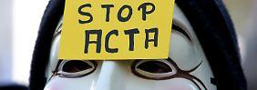 Es hat zahlreiche Proteste gegen das internationale Urheberrechtsabkommen Acta gegeben - wie hier in Brüssel.