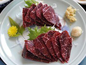 Walfleisch soll zu belastet für den Verzehr sein.