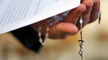 Der entlassene Priester kann innerhalb von 60 Tagen Einspruch einlegen gegen seine Entlassung.