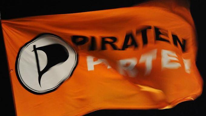 Nur einzelne Mitglieder der Piratenfraktionen in NRW und Schleswig-Holstein stellten die Anzeige.