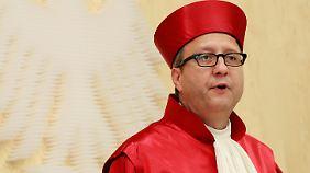 Der Präsident des Bundesverfassungsgerichts, Vosskuhle, zeigte sich enttäuscht von der schlechten Arbeit der Koalition.