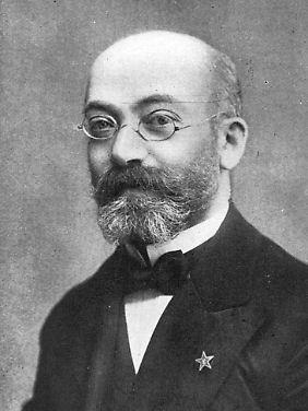 Ludwik Zamenhof auf einem undatierten Lichtbild. Sein ausdrücklicher Wunsch war es, dass die Sprache von ihren Sprechern weiterentwickelt wird.