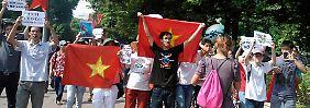 Bei einer Anti-China-Demonstration in Hanoi nahmen Sicherheitskräfte Dutzende Menschen fest.