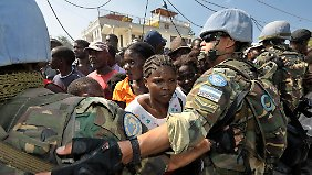 """""""Falsche Prioritäten"""": Soldaten bei ihrem Einsatz in Haiti."""