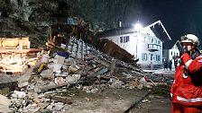 """""""Hier steht kein Stein mehr auf dem andern"""": Felsbrocken begräbt Familienhaus"""