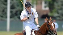 Harry ist eigentlich ganz sicher auf dem Pferd.