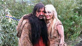 "An der Seite des Schweizer Schauspielers Gilles Tschudi dreht Doro Pesch den zweiten Teil des Kinofilms ""Anuk - der Weg des Kriegers""."