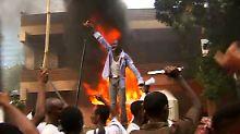 Die deutsche Botschaft in Khartum wurde von aufgebrachten Islamisten in Brand gesteckt.