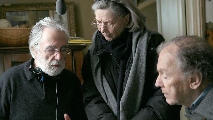 """""""Liebe""""-Regisseur Michael Haneke mit seinen Hauptdarstellern Emmanuelle Riva und Jean-Louis Trintignant (l-r)."""