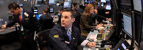 Das EU-Parlament will mit neuen Vorschriften Tempo aus dem Hochfrequenzhandel an den Börsen nehmen.