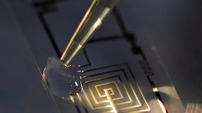 Forscher haben eine neue Art von elektronischen Geräten entwickelt, die sich nach einer festgelegten Zeit auflösen.