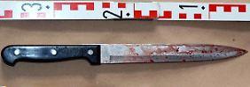 Eine der Tatwaffen. Angeblich trug der Täter zwei Messer bei sich, von denen eines aber beim ersten Stich abbrach.