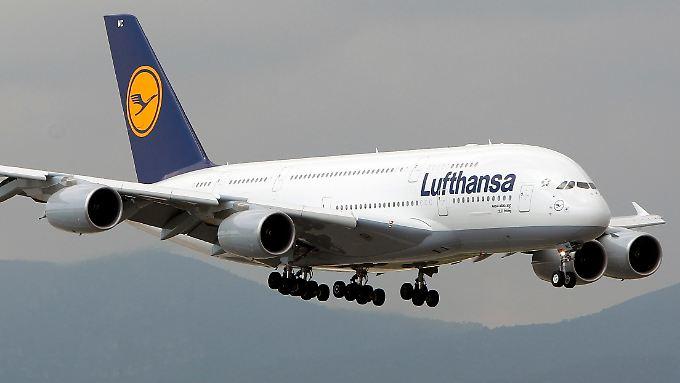Der Airbus A380 ist das größte Passagierflugzeug der Welt.