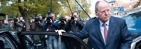 Steinbrück, der Spitzenverdiener: Seit Herbst 2009 sollen die Bundestagsabgeordneten mindestens 22,5 Millionen Euro nebenher verdient haben.