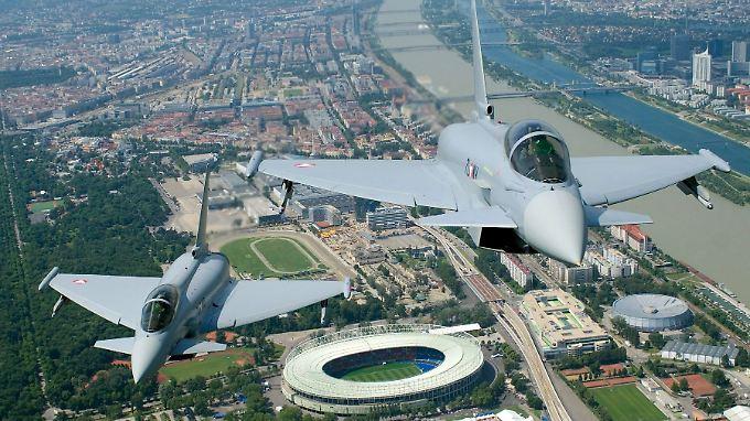 Das Rüstungsgeschäft von EADS-Tochter Cassidian - zu sehen ist ein Eurofighter - leidet seit Langem und Sparmaßnahmen seiner europäischen Eigentümer.