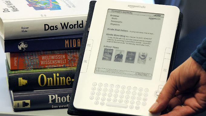 Amazon verleiht künftig auch ebooks für sein Lesegerät Kindle.