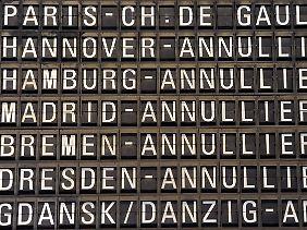 Am Frankfurter Flughafen fallen hunderte Flüge aus.