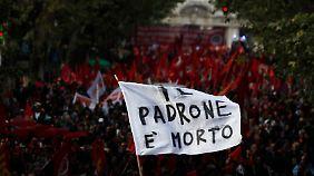 Zehntausende demonstrierten - zumeist friedlich.