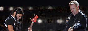 Metal schon im Namen: Robert Trujillo (l) und James Hetfield von Metallica beim Voodoo Music Festival in New Orleans am 27. Oktober.