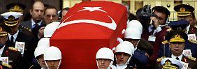 Schon bei der Beerdigung Özals gab es Gerüchte.