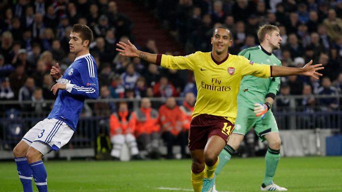 Schalke stürmte, Arsenal traf - zum 1:0 durch Theo Walcott in der 18. Minute.