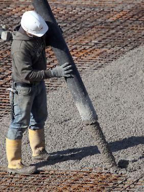 Volles Rohr und raus damit: Im Kerngeschäft Zement steigt die Gewinnmarge auf 24,4 Prozent.