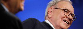 Bill Gates (l) und Warren Buffett: Die Idee der beiden Freunde trägt Früchte.