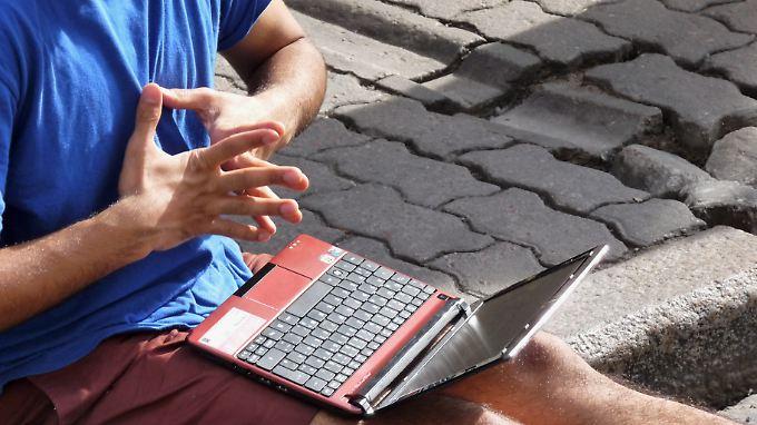 Laptops auf dem Schoß gefährden angeblich die Männlichkeit.