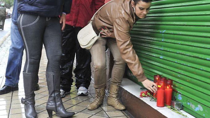 Kunden trauern um einen Ladenbesitzer in Granada, der sich tötete.
