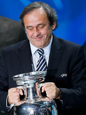 Uefa-Boss Michel Platini muss seinen Plan noch von der Exekutive absegnen lassen.