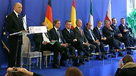 Laurent Fabius mit seinen europäischen Kollegen.