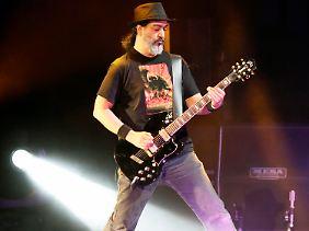 Metall, Hardrock und Punk - viele Einflüsse prägen das Gitarrenspiel von Kim Thayil.