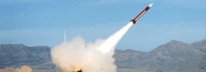 """Eine """"Patriot""""-Rakete wird zu Testzwecken abgeschossen."""