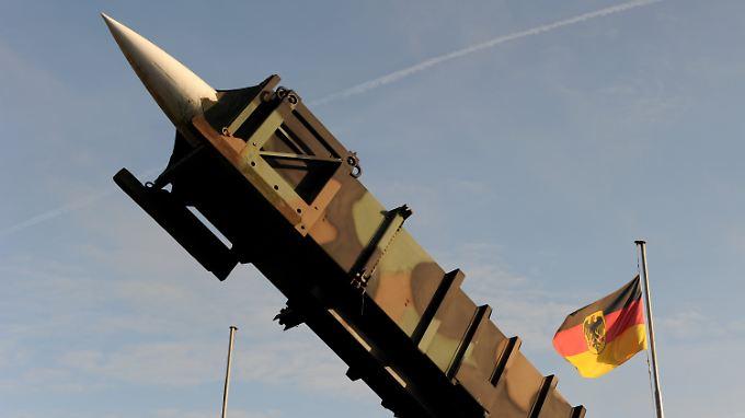 """Die Bundesregierung will die Bitte Ankaras um """"Patriot""""-Raketen """"solidarisch prüfen""""."""