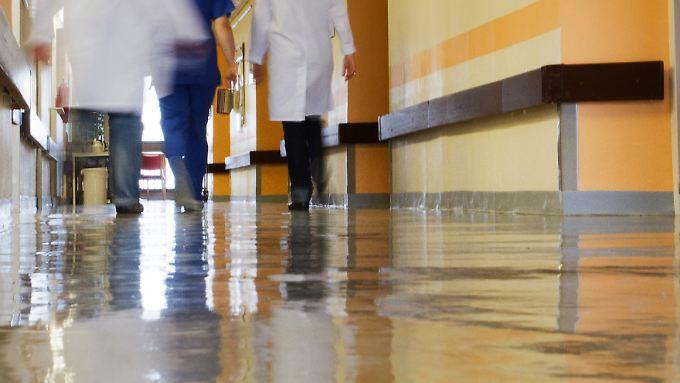 Gerade aus der Narkose erwacht: Hat Charité-Pfleger 14-Jährige vergewaltigt?