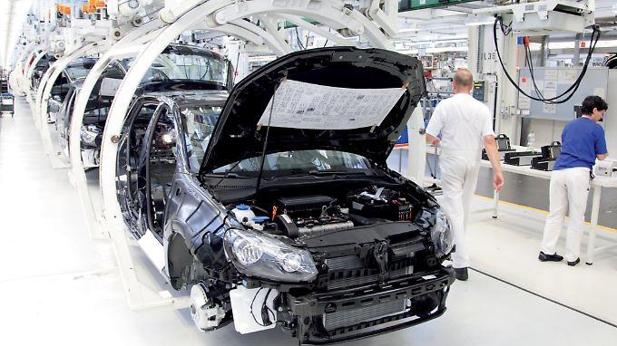 Blick in die Produktionshalle von VW.
