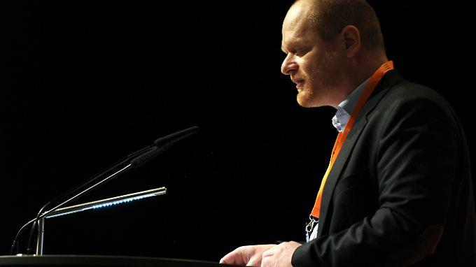 Parteichef Schlömer bittet um Enschuldigung für Personalquerelen.