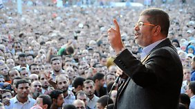 ... und Mursi gerät dadurch immer mehr in Bedrängnis.