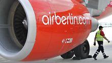 Rotes Tuch für die Lufthansa: Triebwerk in den Farben der Air Berlin.