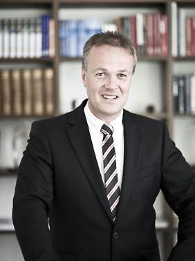 Friedrich Huber ist geschäftsführender Gesellschafter der Huber Reuss & Kollegen Vermögensverwaltung und Experte des Internetportals Vermögensprofis.de.
