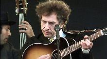 Rocklegende Bob Dylan 2001 beim Rockfestival in Roskilde.