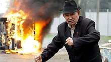 In Bischkek brennen die Straßen.